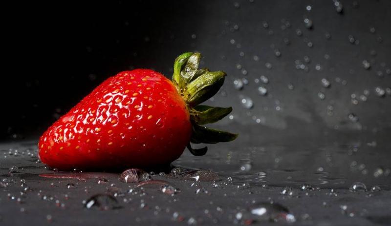 发烧可以吃草莓吗发烧该怎么护理才好呢